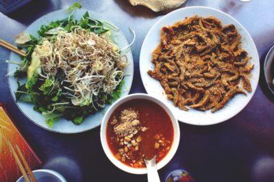 Thưởng thức món cuốn ngon, rẻ khi du lịch Đà Nẵng